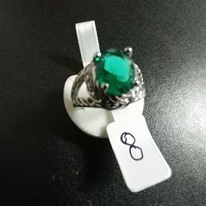 Jewelry - Silvertone ring with bright green center stone
